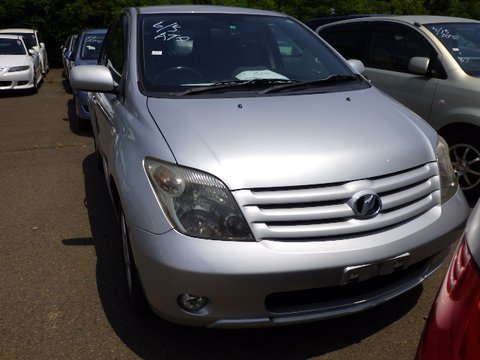Toyota IST 2006
