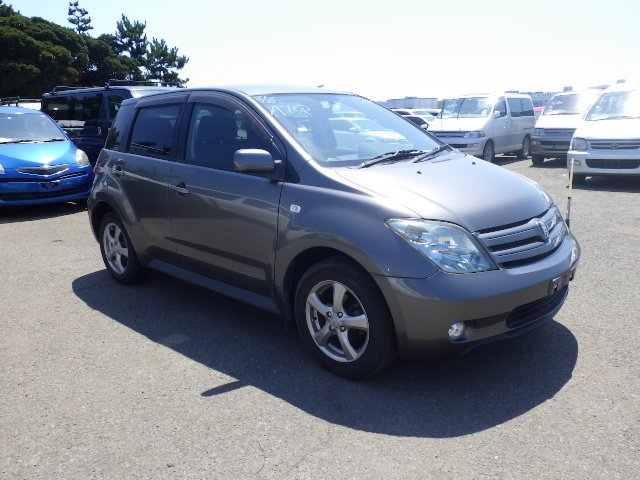 Toyota IST 2005 available at Autocraft Japan - Color:GRAY