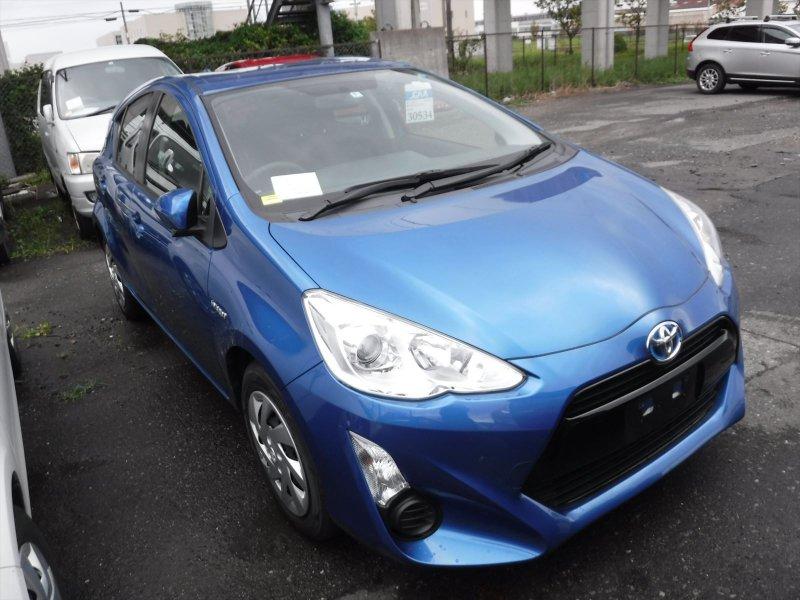 Toyota Aqua Hybrid 2015