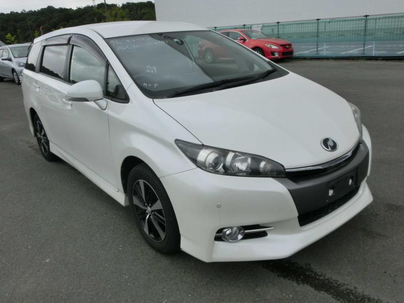 Toyota Wish 2013