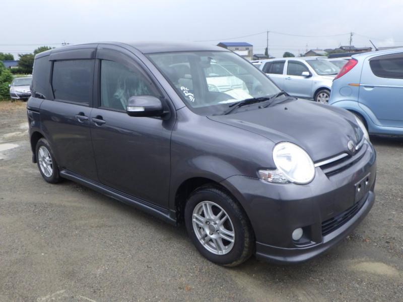 Toyota Sienta 2007