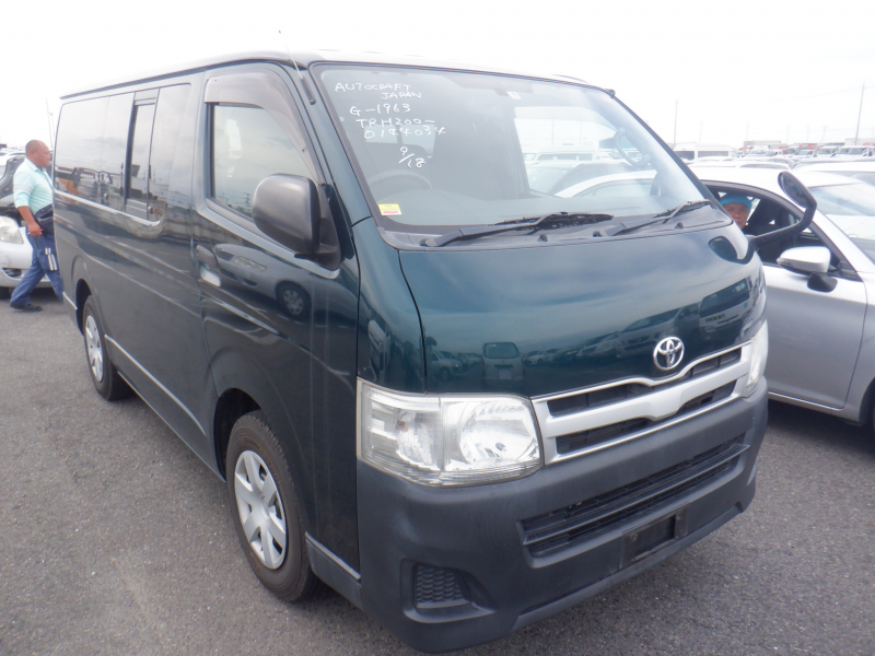 Toyota Hiace Van 2011