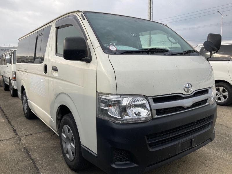 Toyota Regius Van 2013