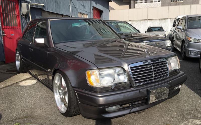 Mercedes-Benz Midium Class 1993