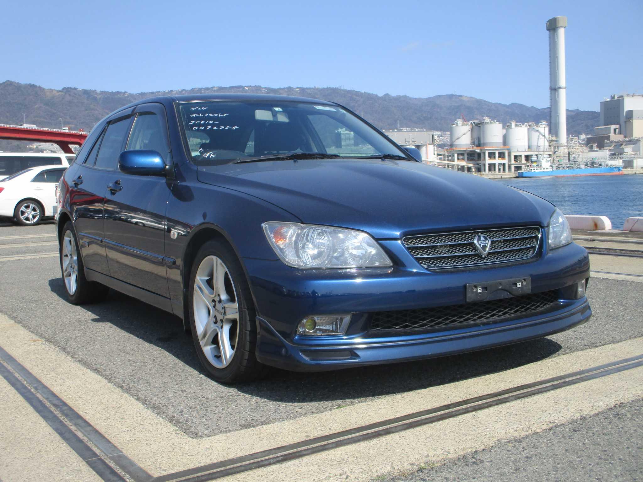 Toyota Altezza Gita 2004