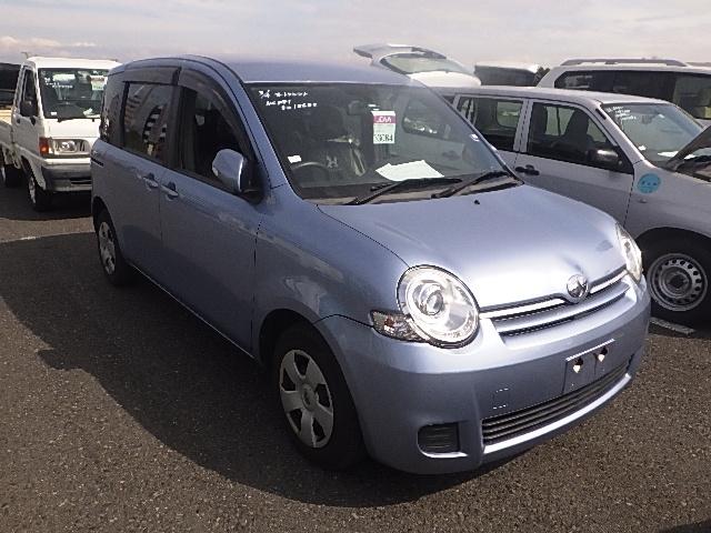 Toyota Sienta 2014