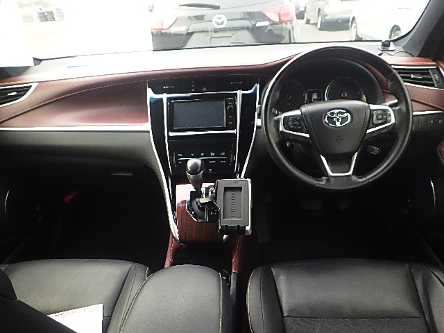 Toyota Harrier 2015