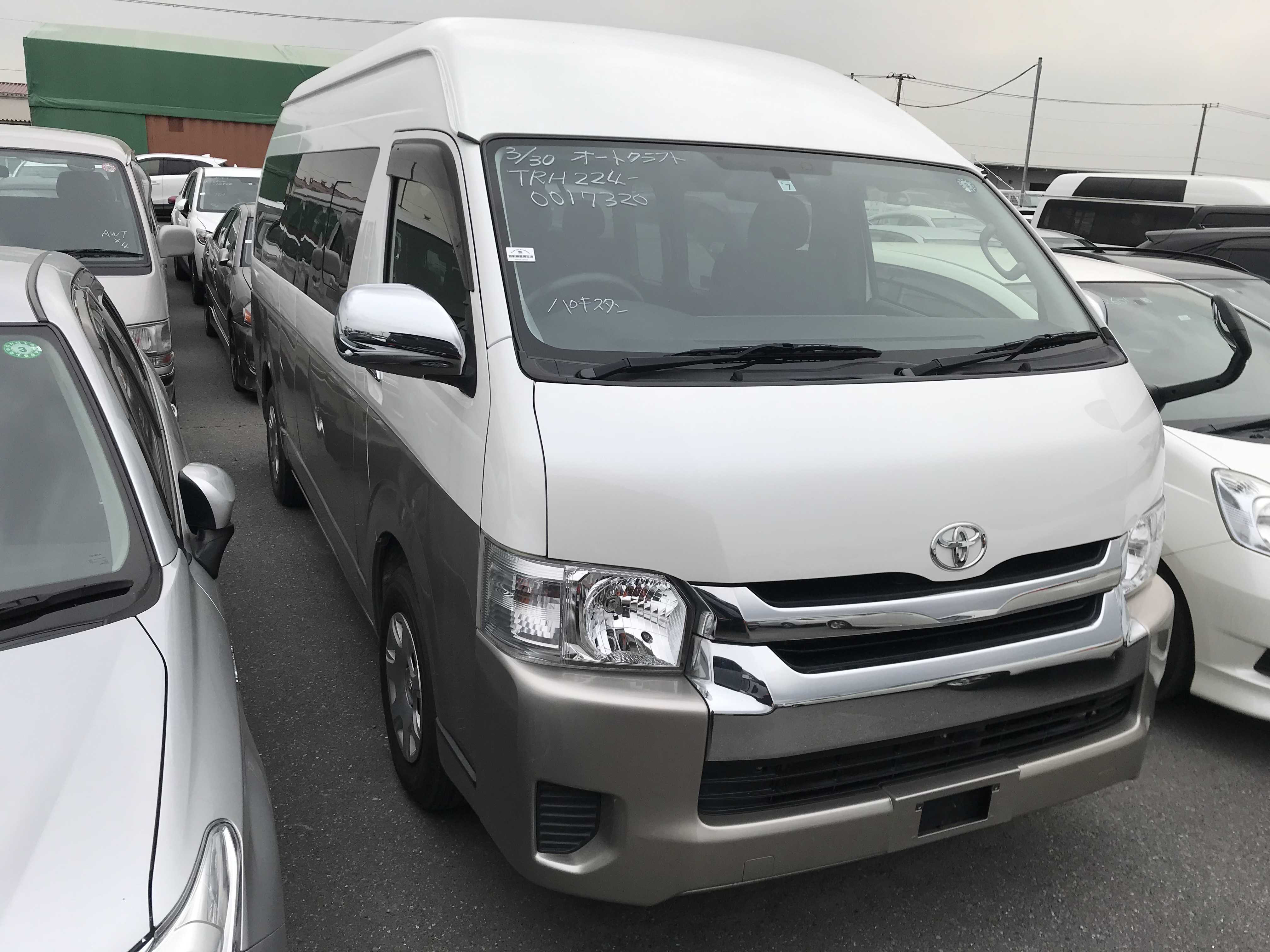 Toyota Hiace Wagon 2017