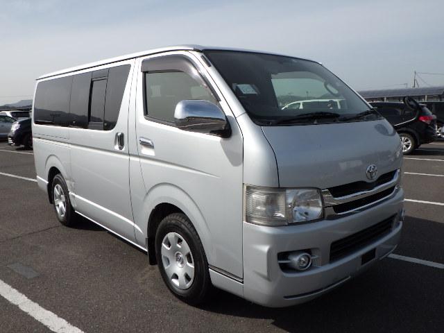 Toyota Regius Van 2009