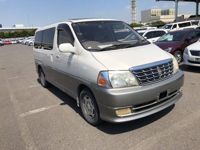 Toyota Grand Hiace 2002