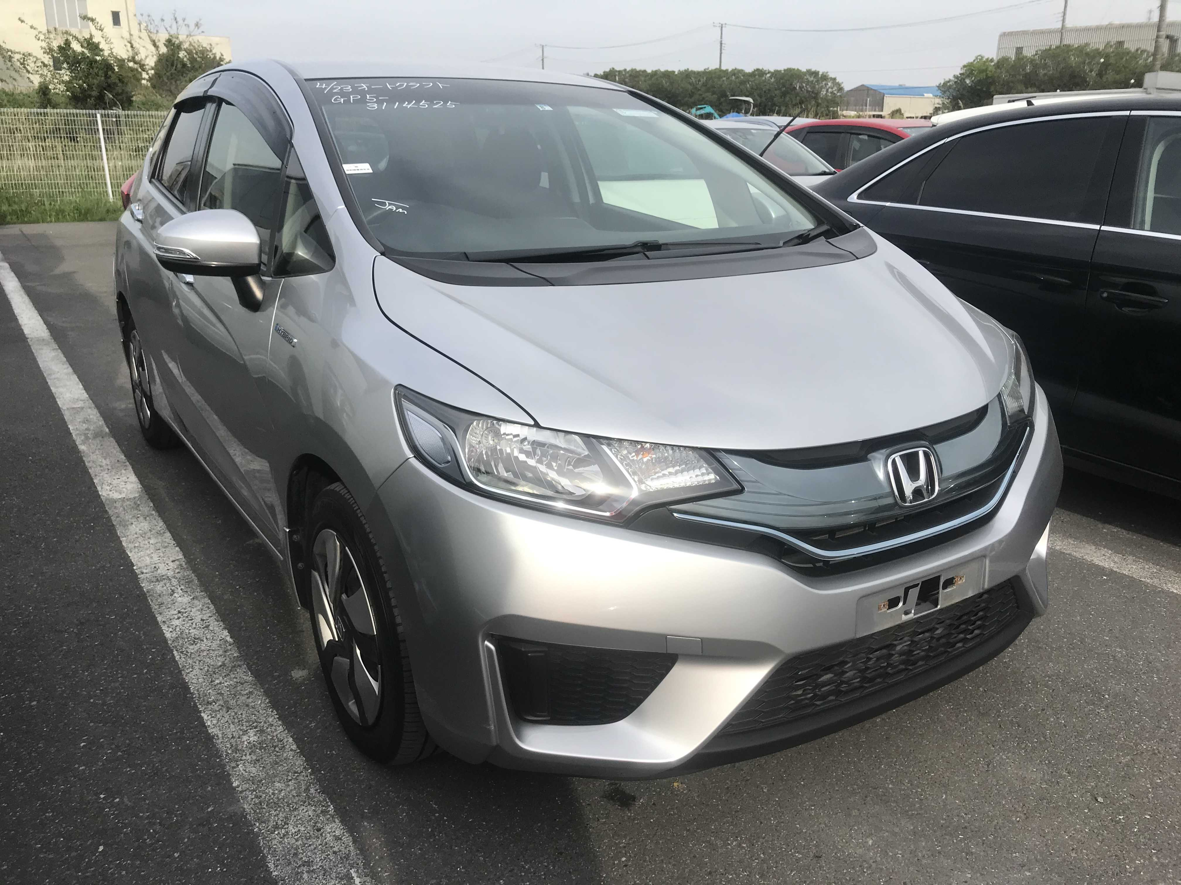 Honda Fit Hybrid 2015