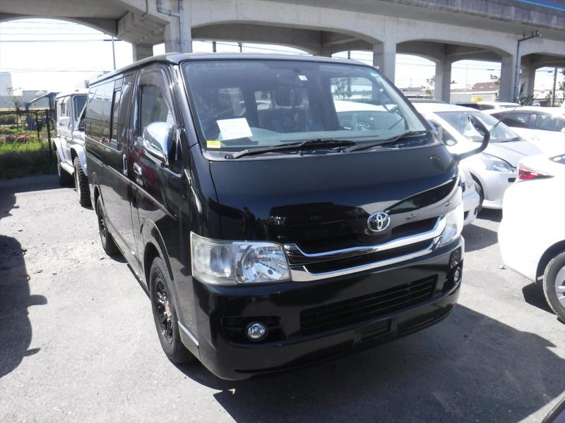 Toyota Hiace Van 2009