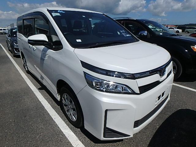 Toyota Voxy 2020