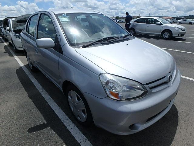 Toyota Platz 2004