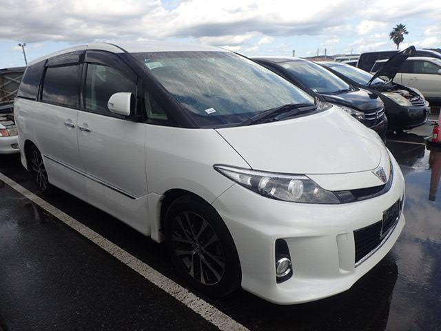 Toyota Estima 2015