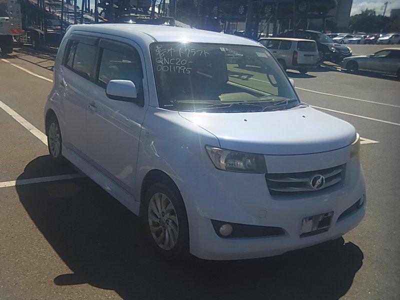 Toyota bB 2006