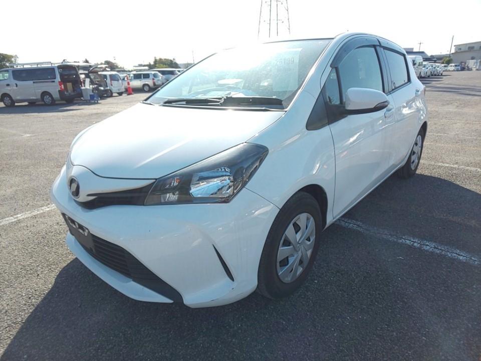 Toyota Vitz 2015