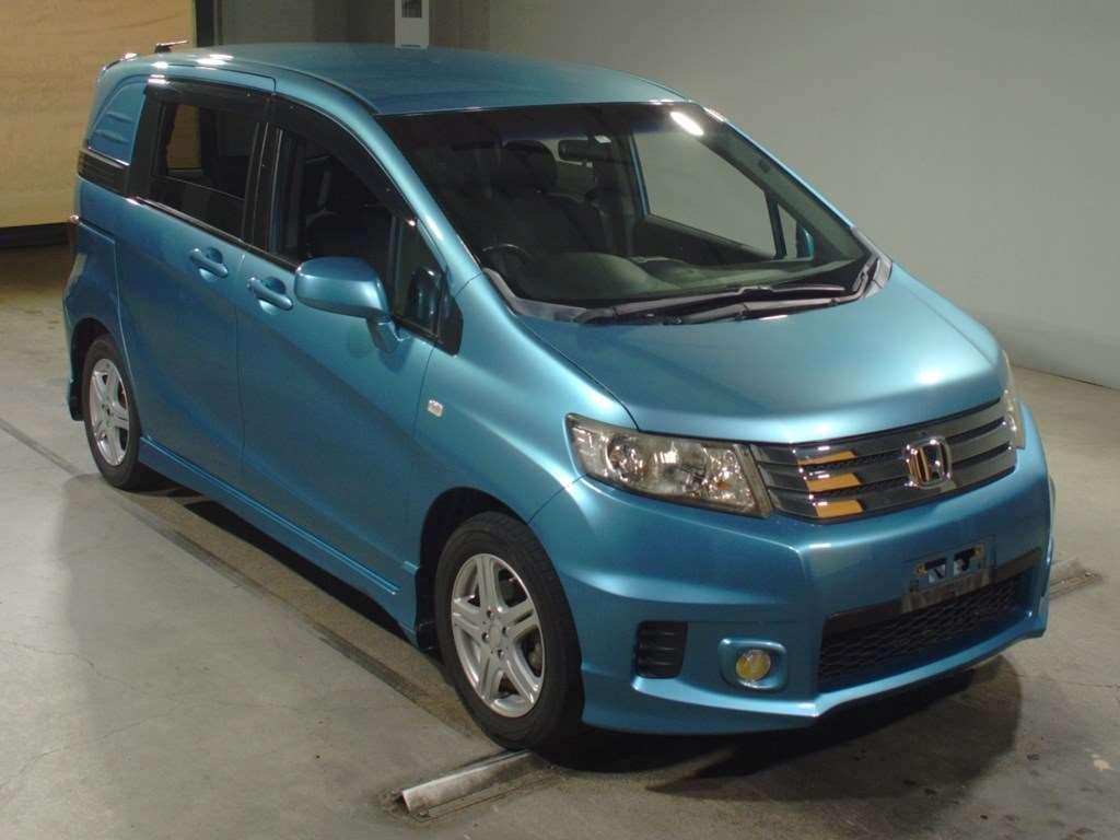 Honda Freed Spike 2010