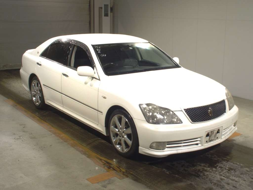 Toyota Crown 2005