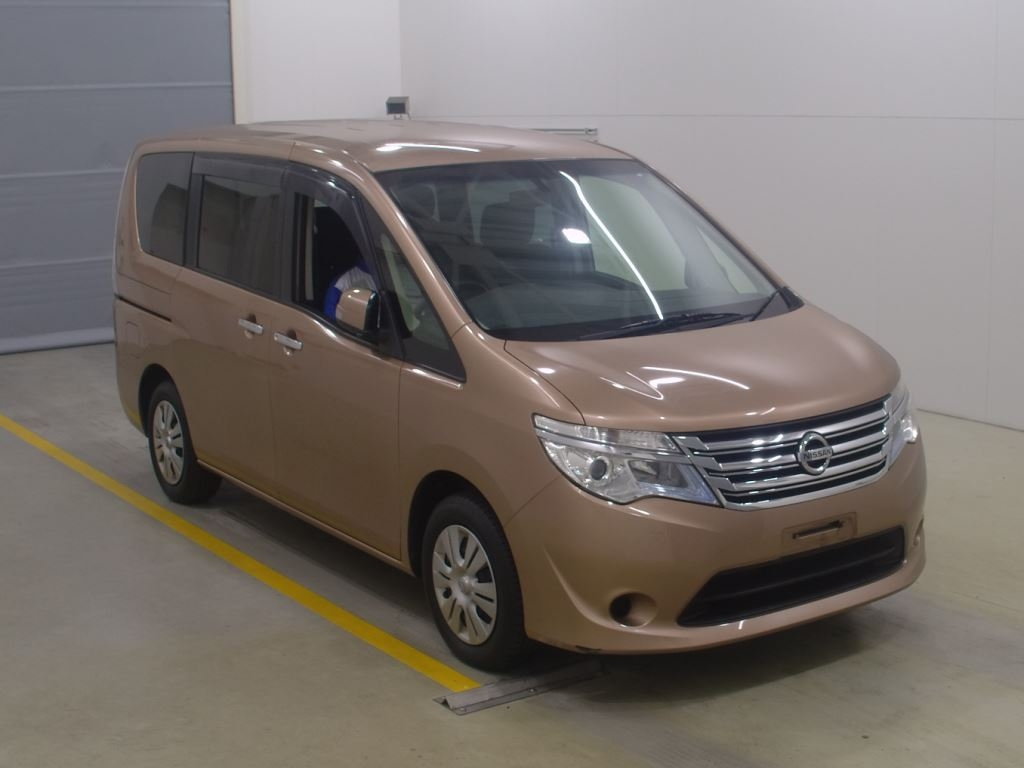 Nissan Serena 2014