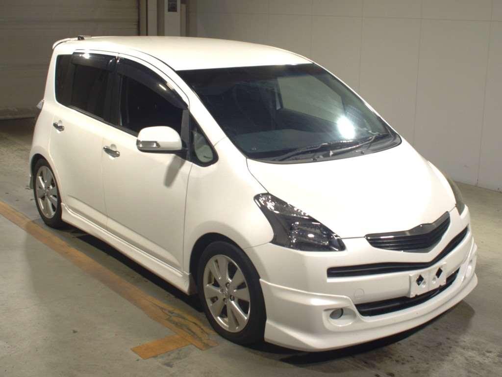 Toyota Ractis 2005