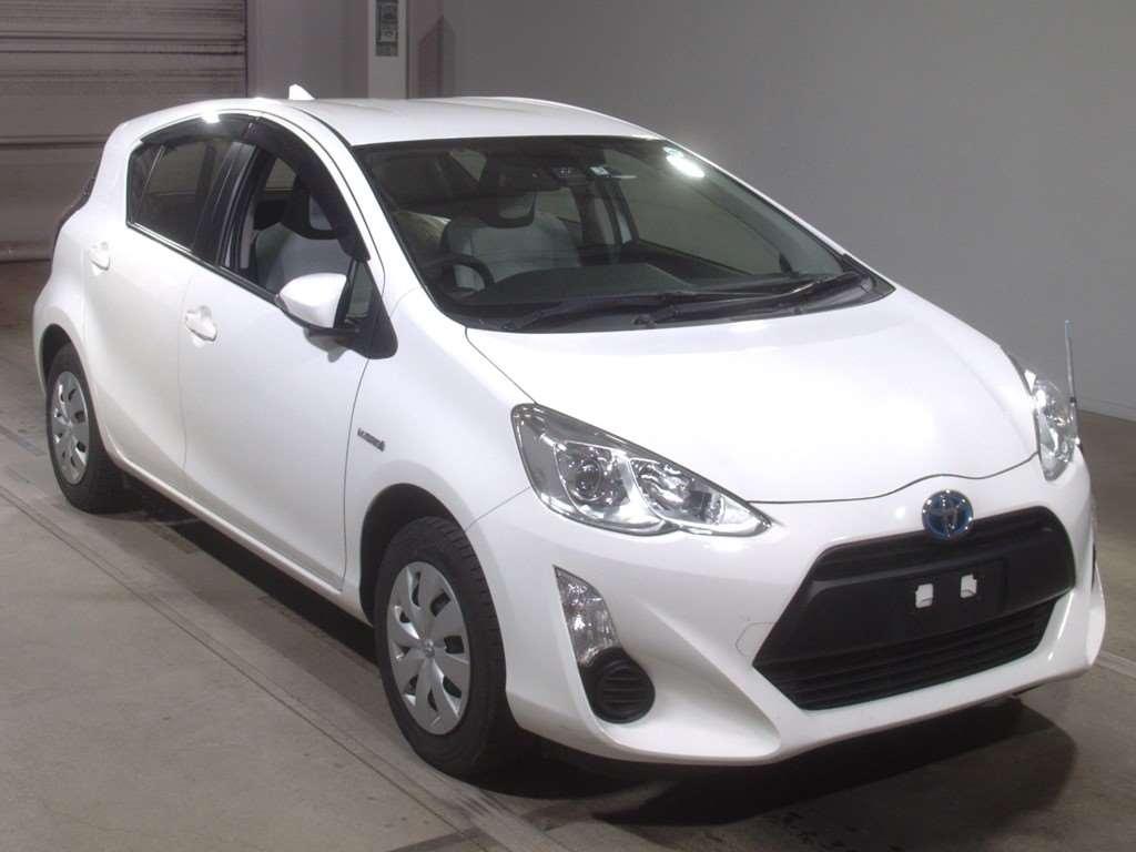 Toyota Aqua Hybrid 2017