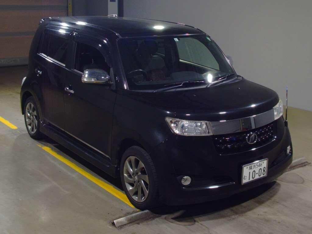 Toyota bB 2013