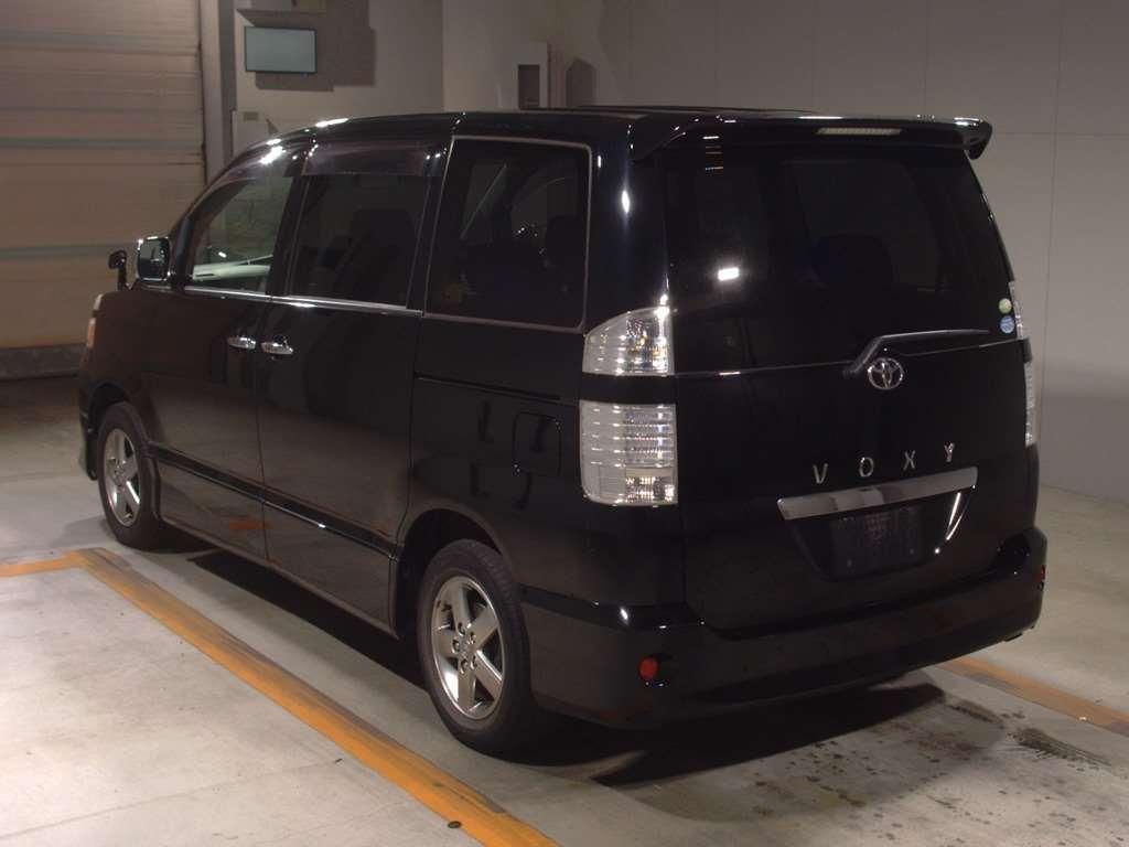 Toyota Voxy 2006