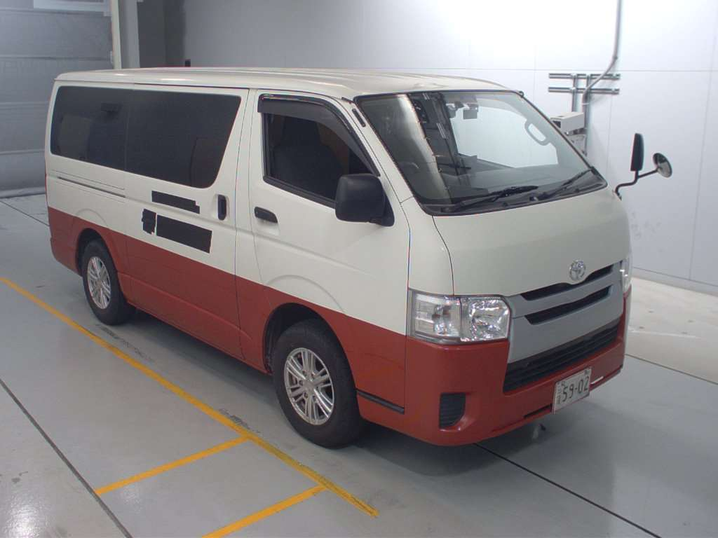 Toyota Hiace Van 2016