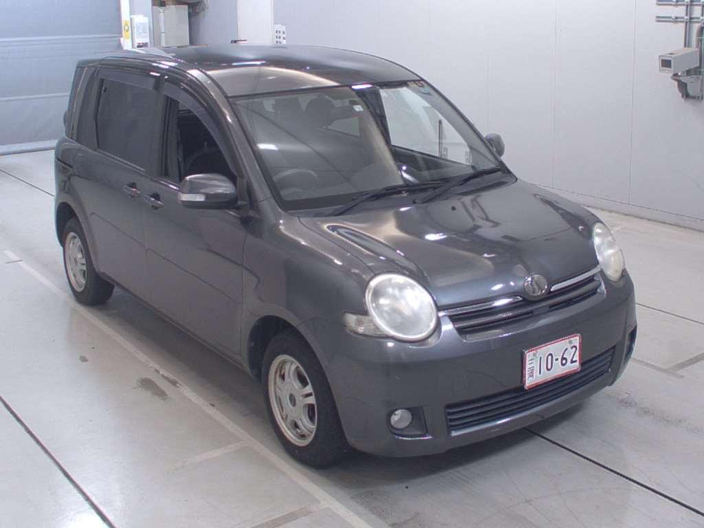 Toyota Sienta 2008