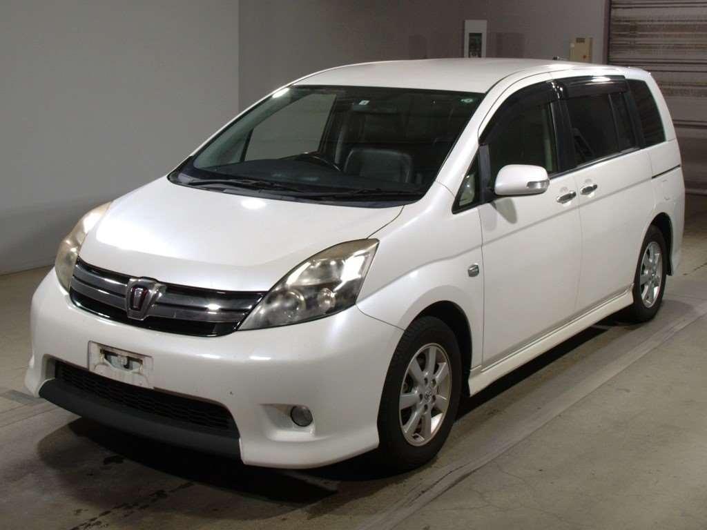 Toyota Isis 2012