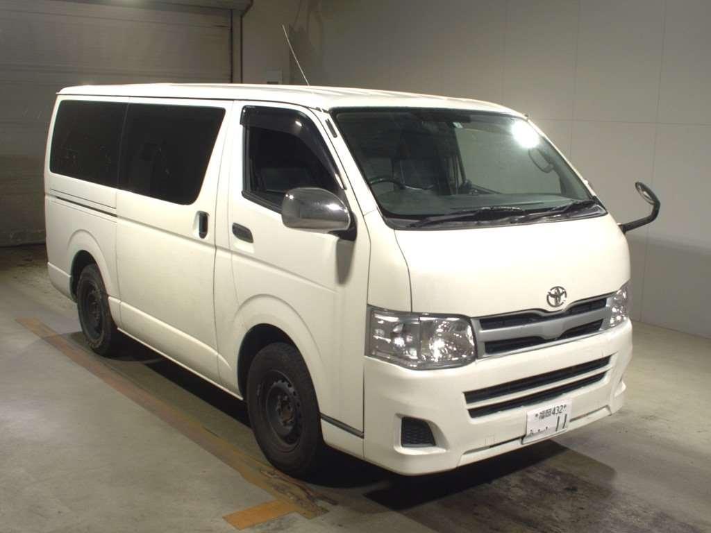 Toyota Hiace Van 2005