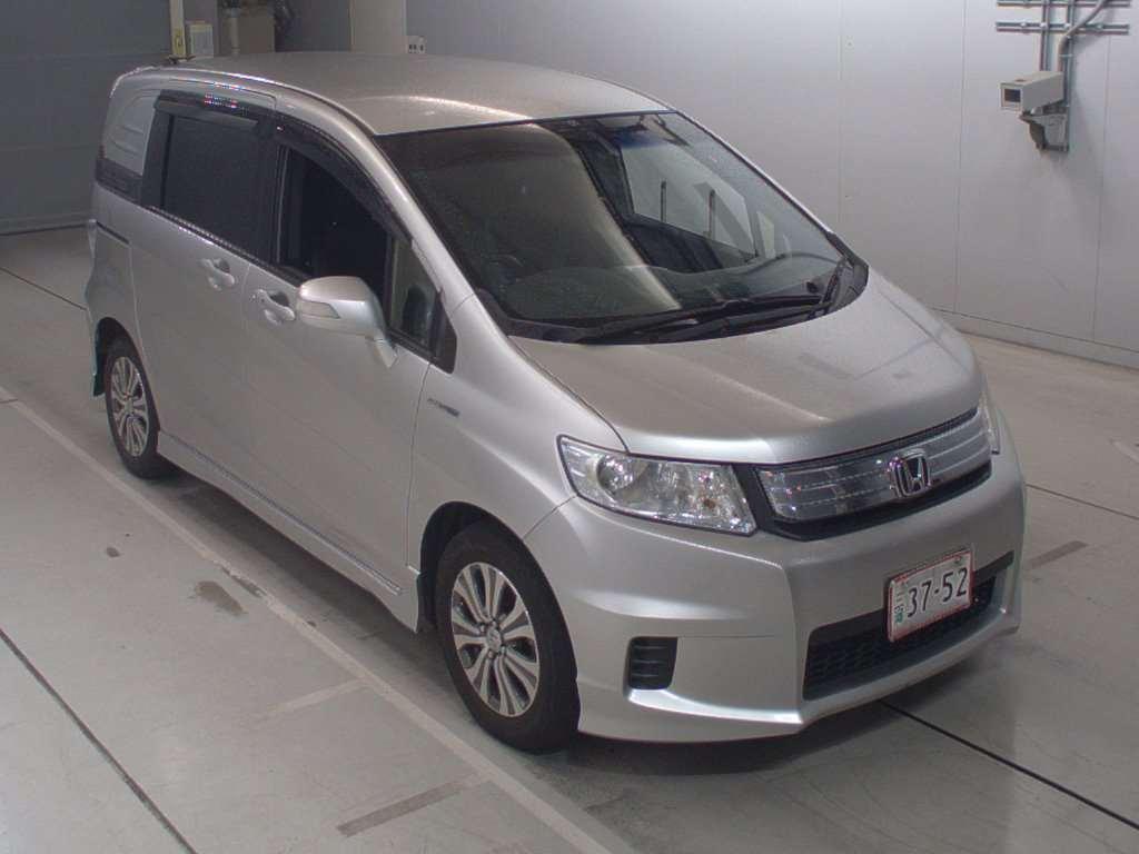 Honda Freed Spike 2012