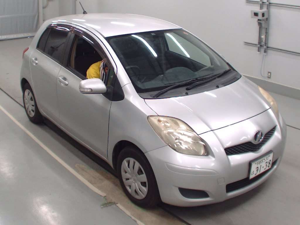 Toyota Vitz 2008 available at Autocraft Japan - Color:SILVER