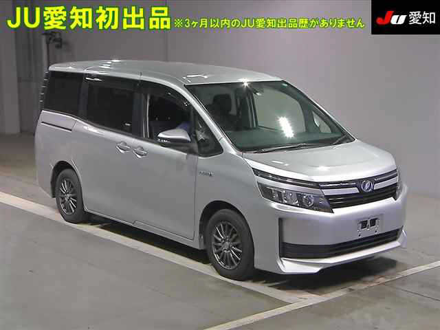 Toyota Voxy 2014