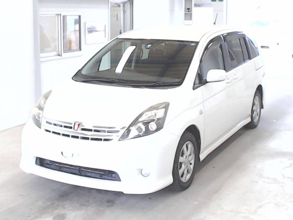 Toyota Isis 2011