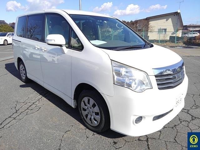 Toyota Noah 2012