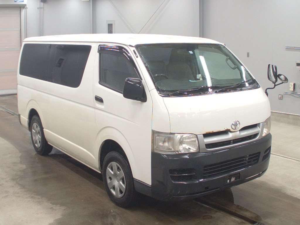 Toyota Regius Van 2005