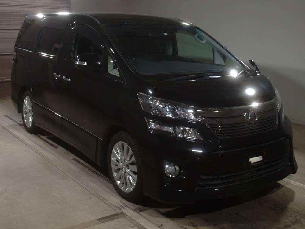 Toyota Vellfire 2014