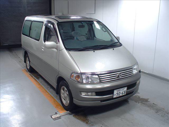 Toyota Regiusace Van
