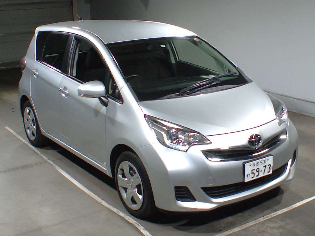 Toyota Ractis 2014