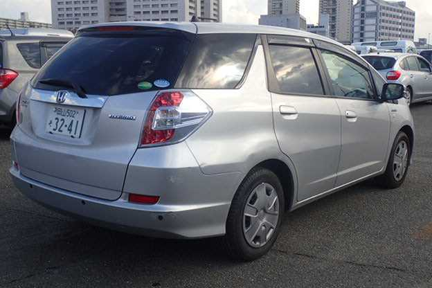Honda Fit shuttle 2015