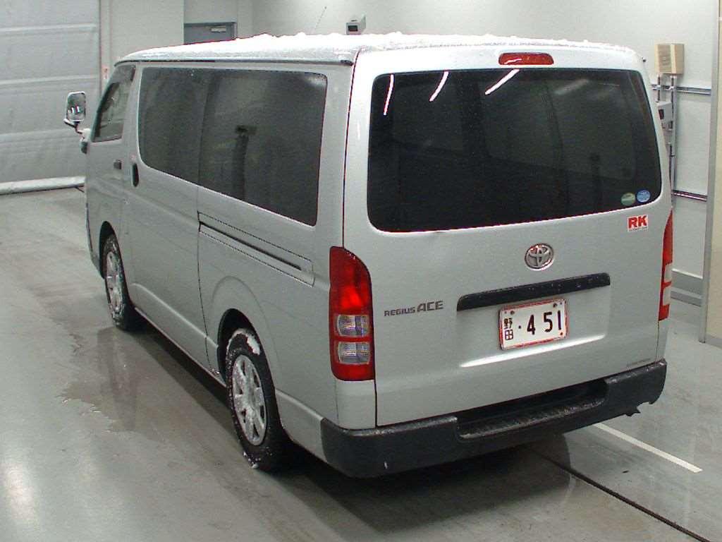 Toyota Regiusace Van 2012