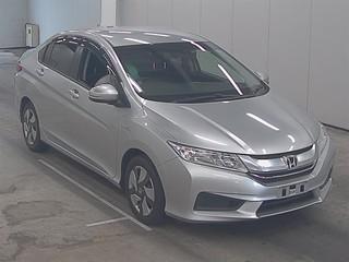 Honda Grace . 2015