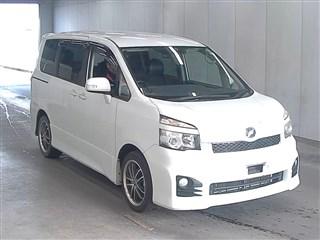 Toyota Voxy 2011