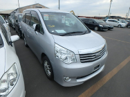 Toyota Noah 2013 X L SELECTION