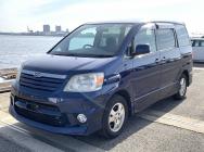 Toyota Noah 2004