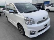 Toyota Voxy 2013
