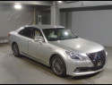 Toyota Crown Hybrid 2013