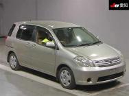 Toyota Raum 2004